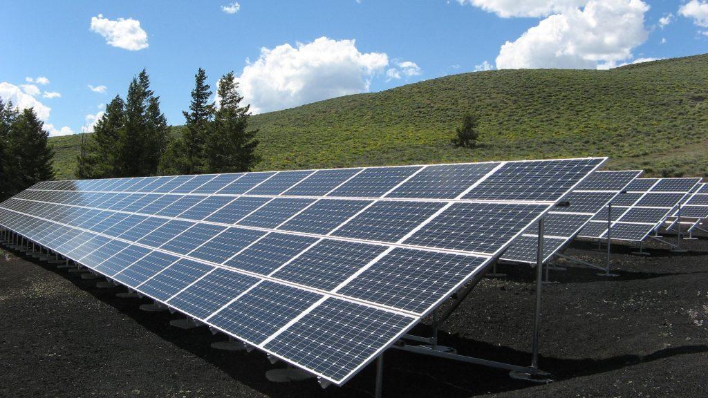 solar-panel-array-1591350